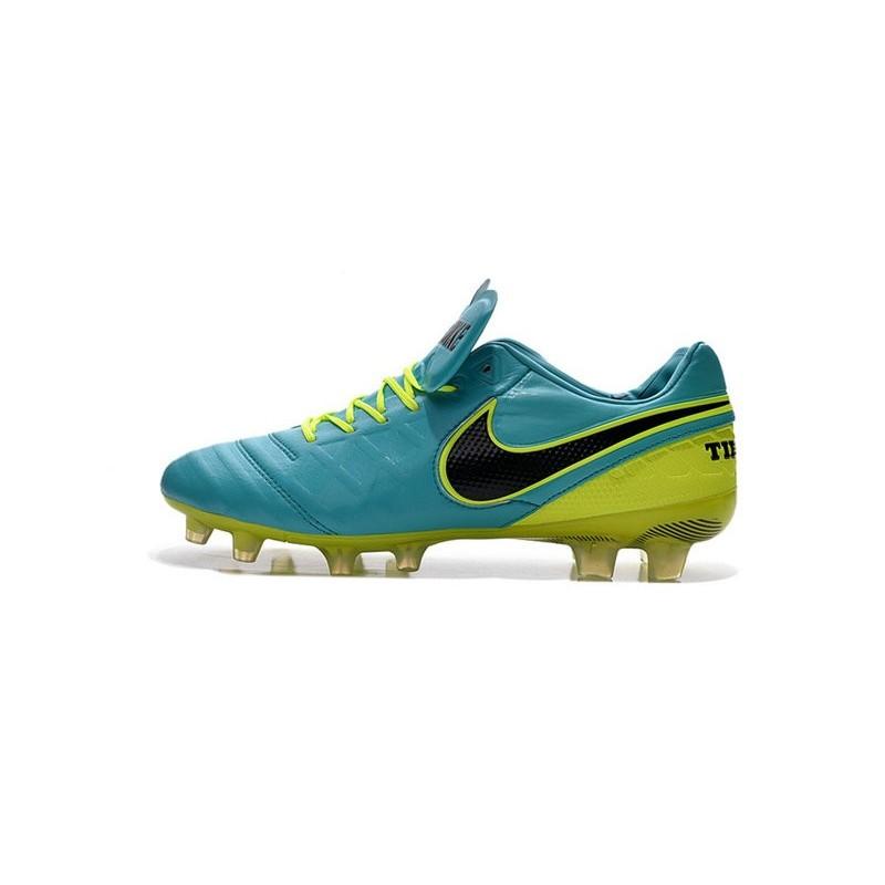 scarpe da calcio nike bianche
