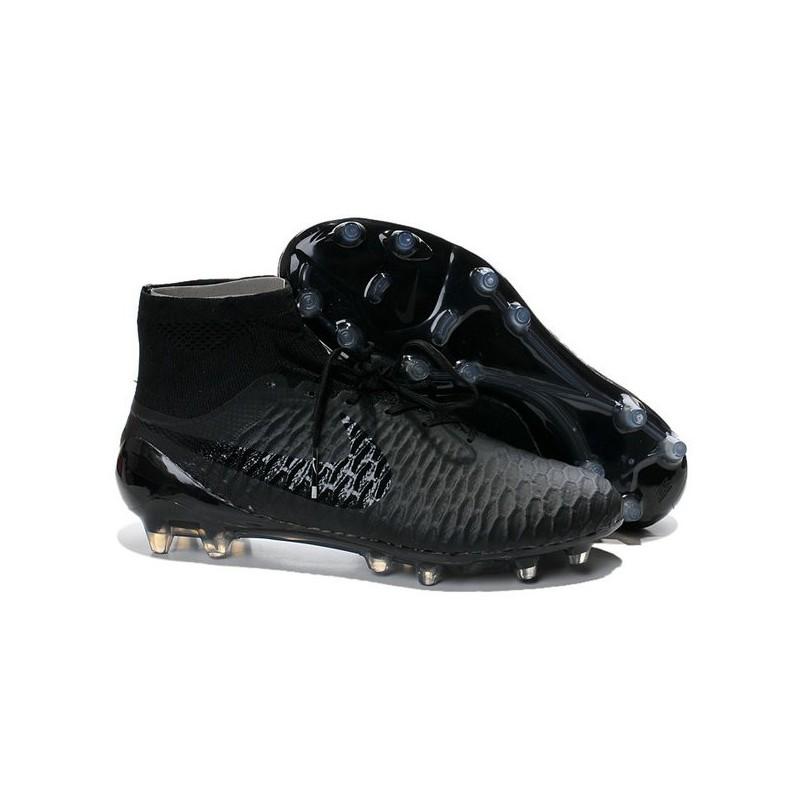 scarpe calcio nike tutte nere